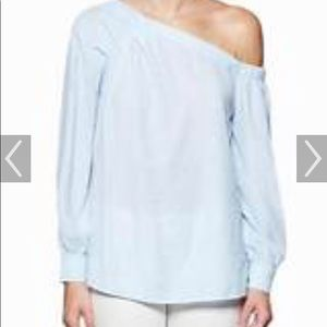 Brouch walker off shoulder top size small